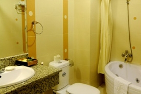 Tan Hai Long Suite Bathroom